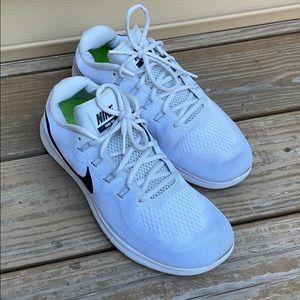Nike Run women's gray shoes size 11